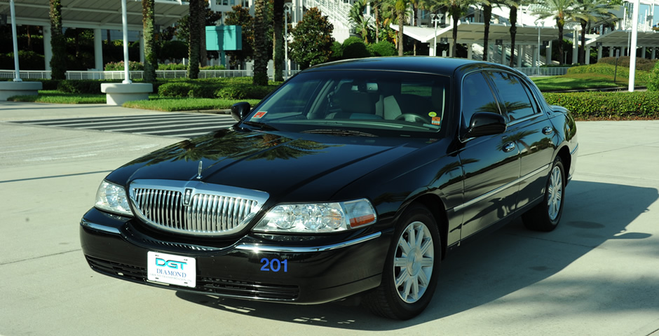 Diamond Lincoln Towncar
